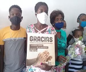Distinguen a familias de colaboradores de la salud pública en Güines.