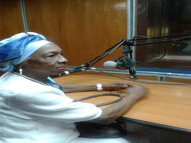 Felicitaciones a Carmen Solar y a los directores de la Radio Cubana.