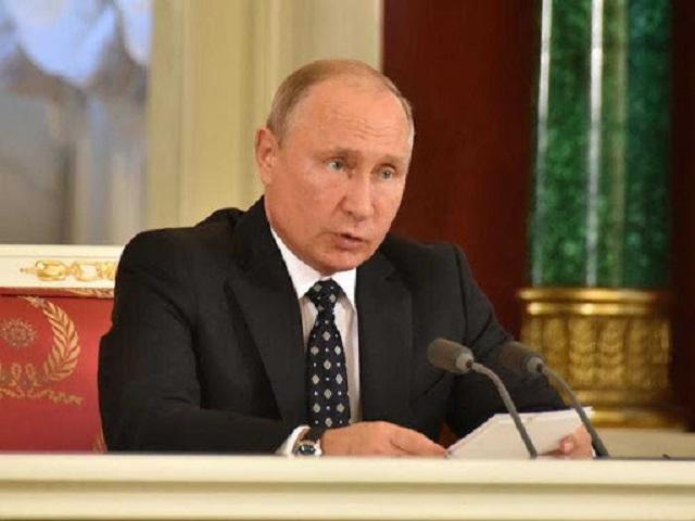 Presidente de Rusia analiza situación epidemiológica del país.