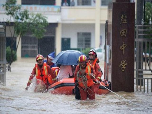 Inundaciones en China dejan cientos de muertos