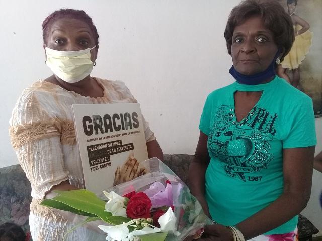 Distinguen a familias de colaboradores de la salud pública en Güines (Audio)