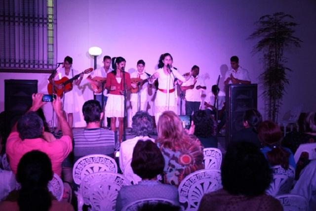 Niños muestran el repentismo como una tradición en Mayabeque