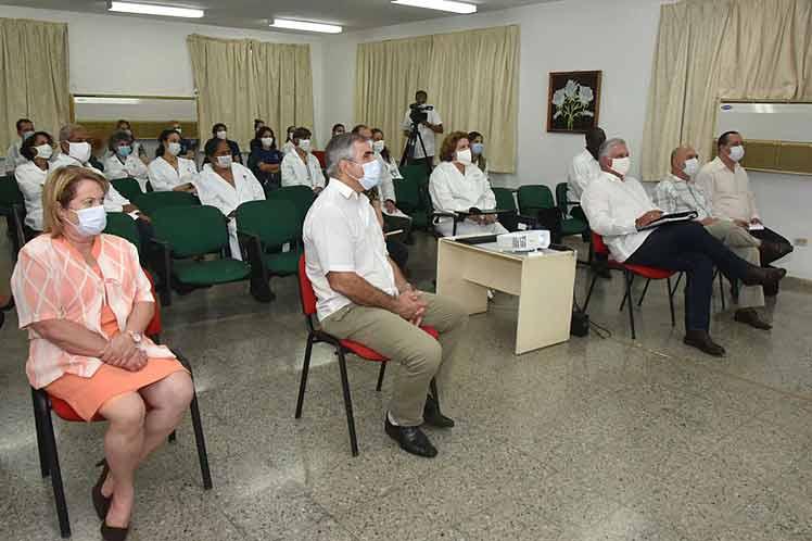 Presidente de Cuba constata avances de vacuna contra la Covid-19