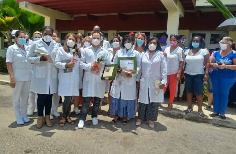 Recibieron en Mayabeque a profesionales de la salud  procedentes de México