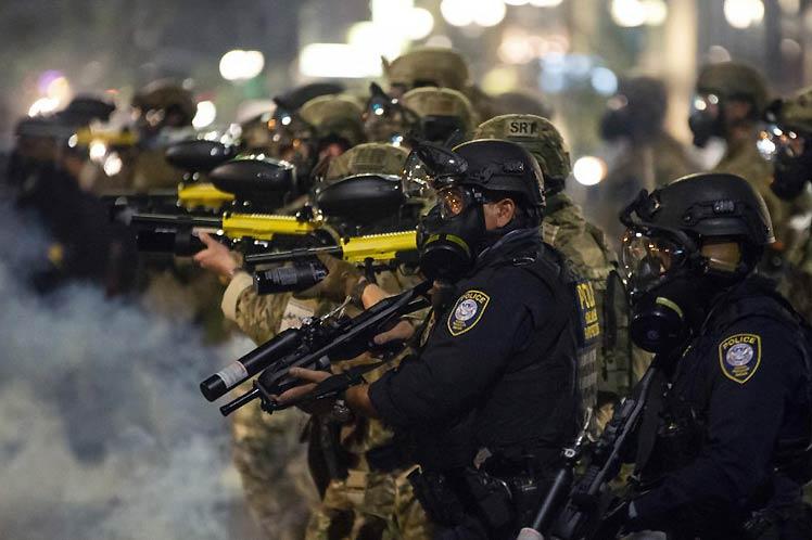 Rechazan en Estados Unidos despliegue de agentes federales