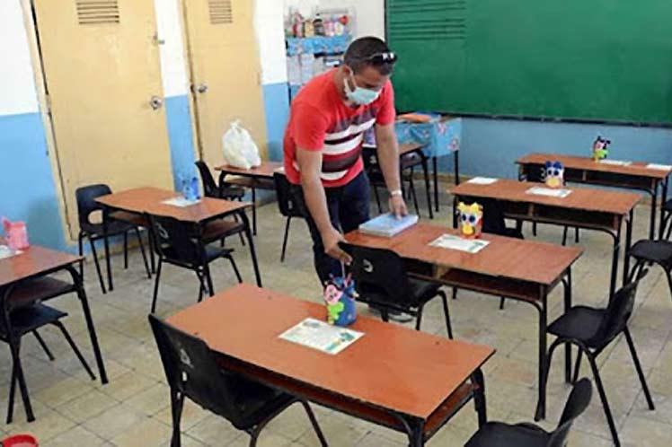 Escuelas de Cuba ultiman medidas para reinicio del curso escolar