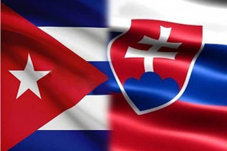 Resaltan buen estado de relaciones representantes de Cuba y Eslovaquia