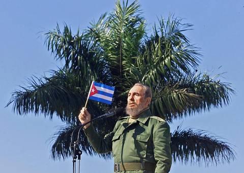 Díaz-Canel expresa orgullo por vivir tiempos de Fidel