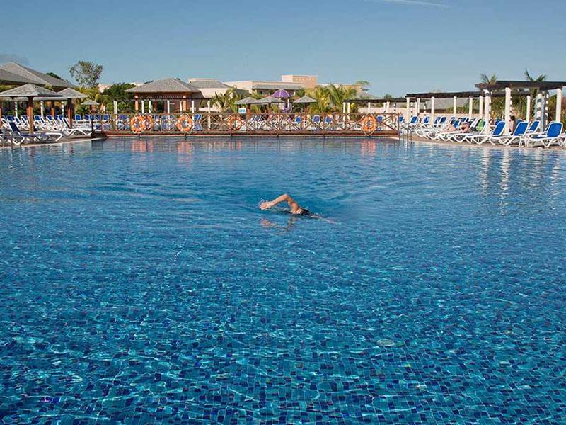 Cuba recibió primeros turistas extranjeros en etapa recuperativa pos-COVID-19