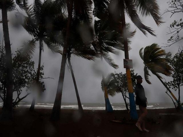 Huracán Laura azota con categoría cuatro a Luisiana