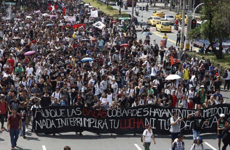Estudiantes de Colombia rechazan recientes actos de violencia