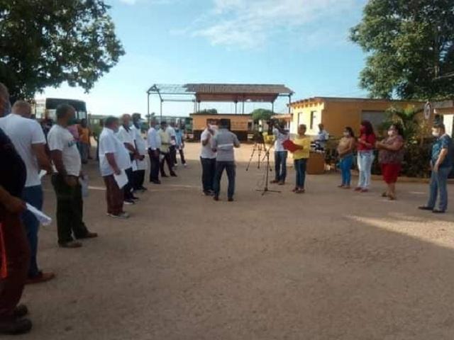 Reconocen a trabajadores del sector del transporte en Melena del Sur