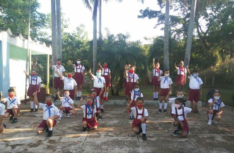 Neighborhood Prize to Jaruco School