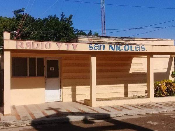 Estudio de radio de San Nicolás.