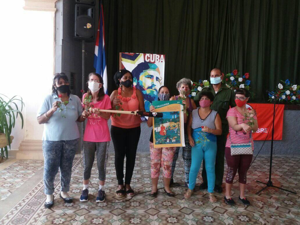 Integrantes del Proyecto Sociocultural comunitario Por un mundo sin barreras. Foto Autora