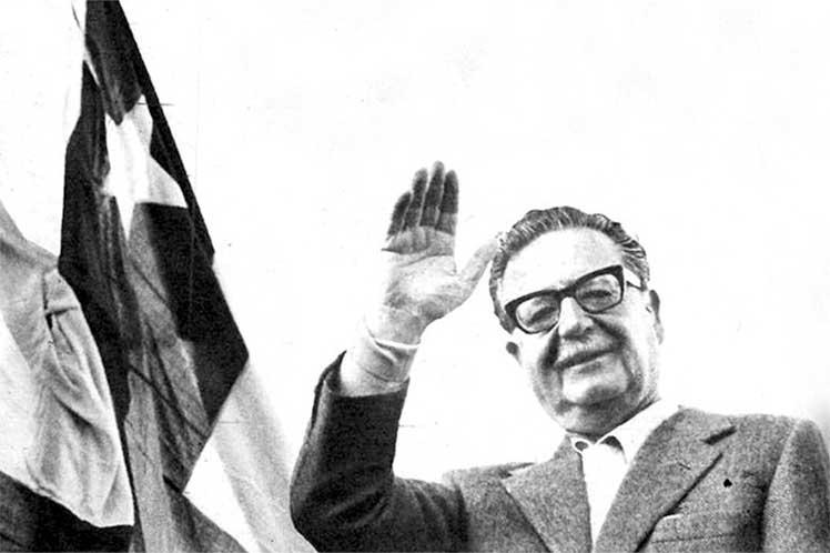 En Chile recuerdan a Salvador Allende.