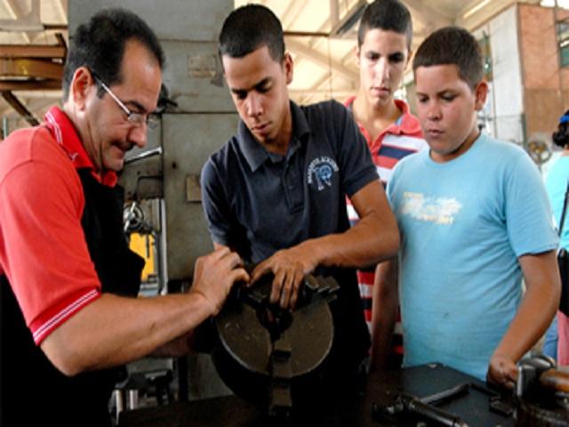 Garantiza Jaruco la formación de fuerza de trabajo calificada