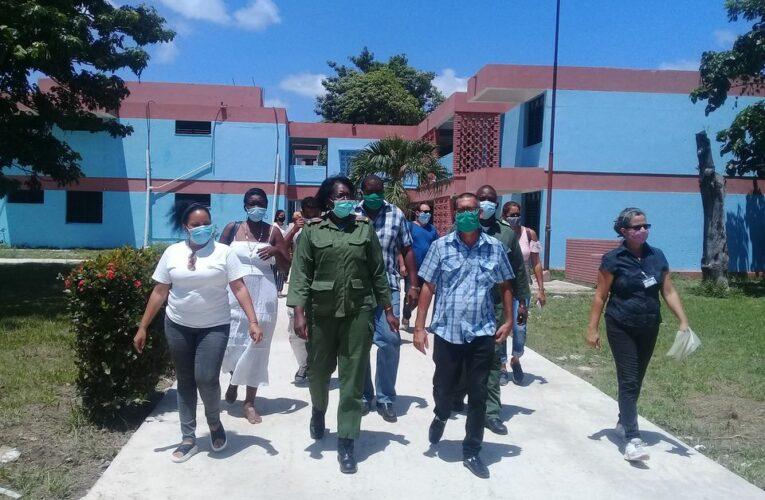 Autoridades de Mayabeque constatan cumplimiento de medias sanitarias en centros docentes