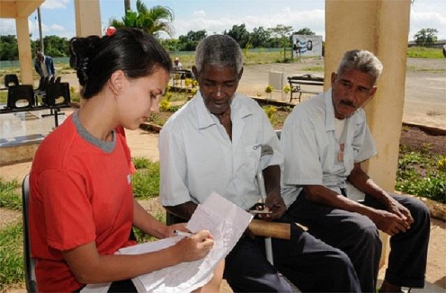 En esta segunda etapa se reevaluaron los grupos para diagnosticar a las personas más necesitadas.
