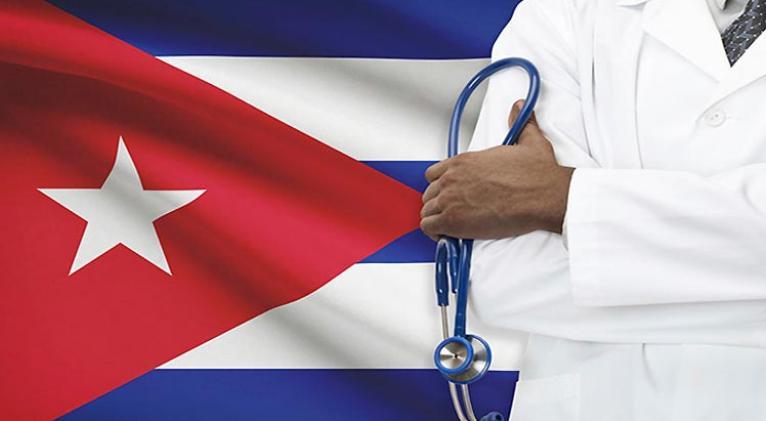 Regresa a Cuba brigada médica que enfrentó Covid-19 en Dominica.