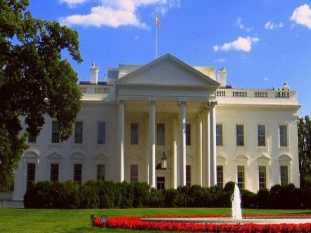 Covid-19 irrumpe en la Casa Blanca.