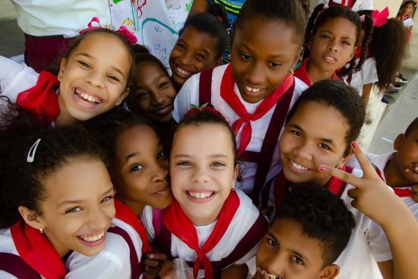 Las acciones incluyen la observancia de los menores en la escuela y en la comunidad.