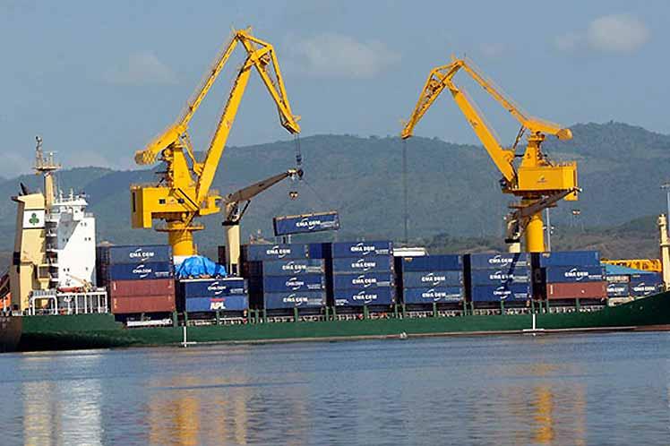 Empresas estatales de Cuba firmaron 106 contratos de exportación e importación.