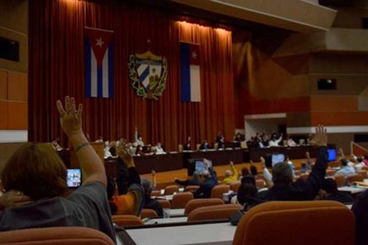 Los diputados al Parlamento de Cuba aprobaron la Ley de organización y funcionamiento del consejo de ministros