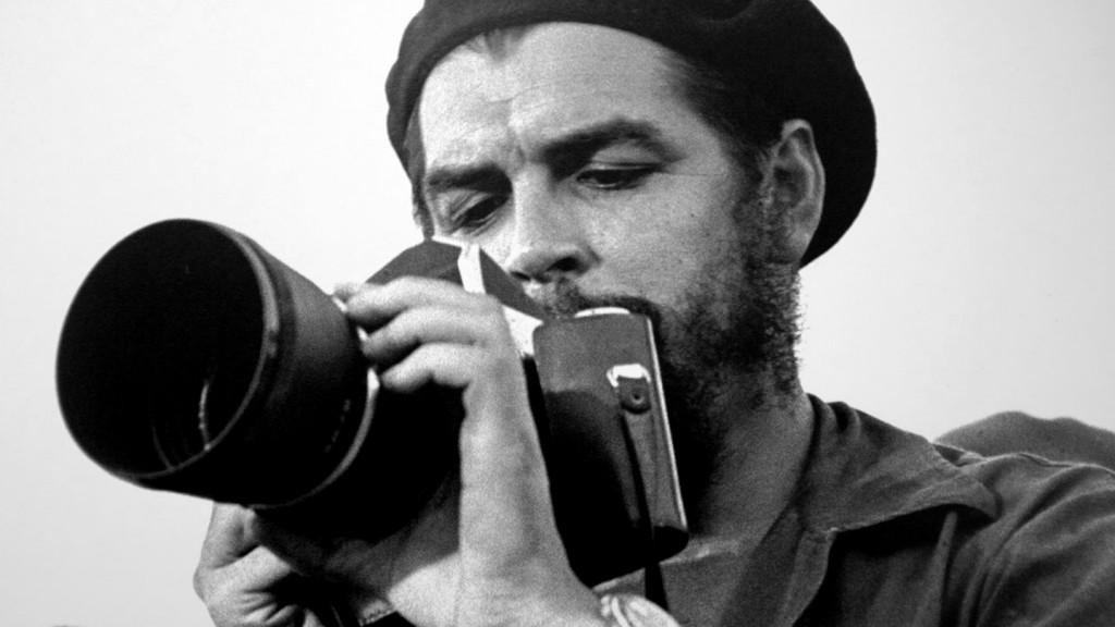 Muestra itinerante Che Fotógrafo para celebrar la vida del legendario guerrillero cubano-argentino Ernesto (Che) Guevara. Foto: Radio Cadena Agramonte