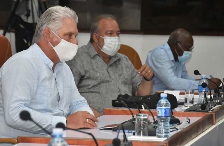 Díaz-Canel ratifica necesidad de desarrollar economía cubana pese a escenario hostil.