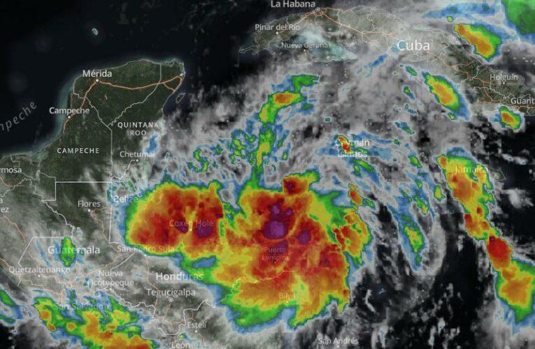 Tormenta Tropical Zeta estacionaria al sur de Cuba