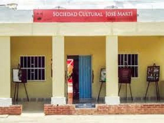 De cumpleaños Sociedad Cultural José Martí de Mayabeque.