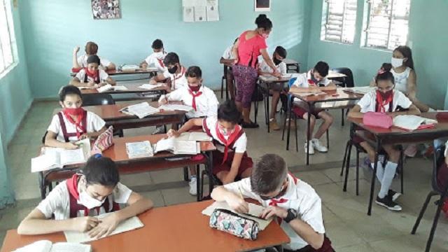 La distancia entre estudiantes es una de las medidas a cumplir en los centros educacionales.