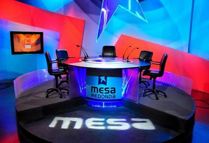 Mesa Redonda: Información al pueblo sobre la Tarea Ordenamiento.