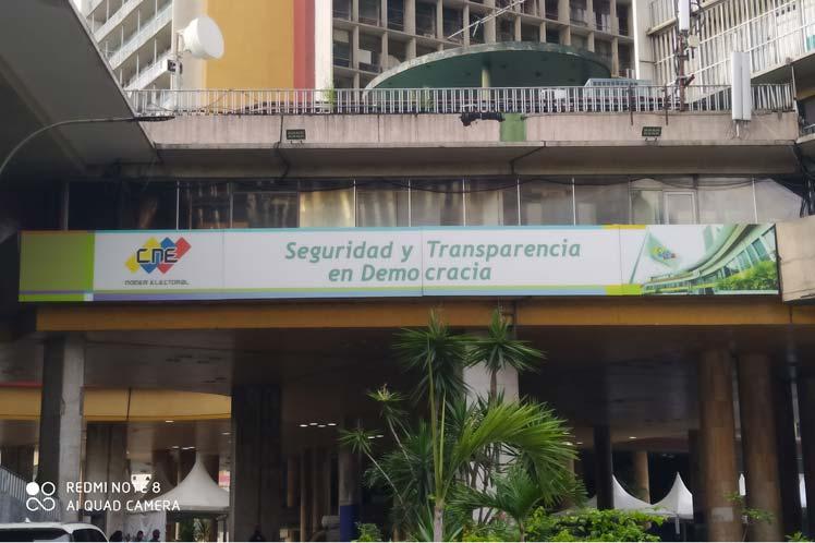 Inicia simulacro electoral en Venezuela.