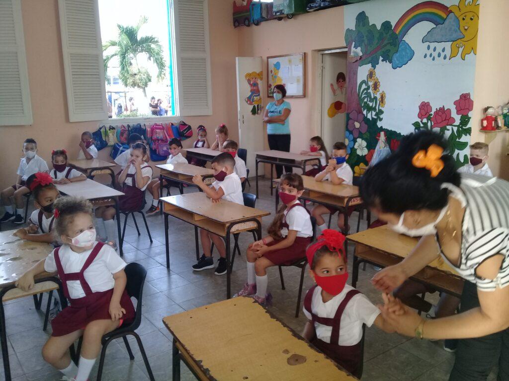 Clodomira Acosta Primary Seminar, from the Güines municipality.