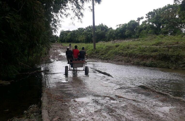 Realizan evacuación de residentes en zonas bajas de Santa Cruz del Norte