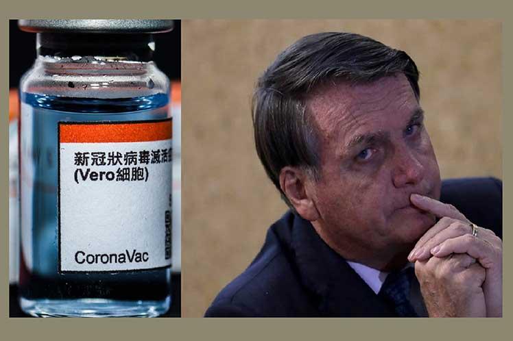 Denuncian en Brasil interferencia de Bolsonaro a vacuna china