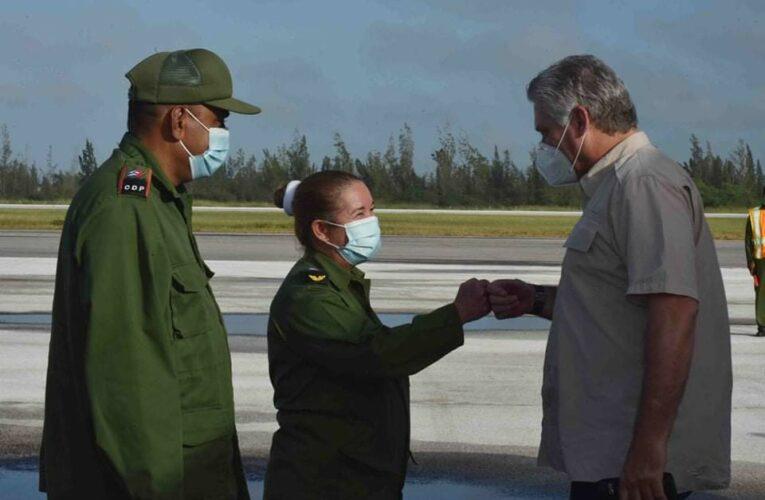 Presidente de Cuba recorre áreas villaclareñas afectadas por Eta