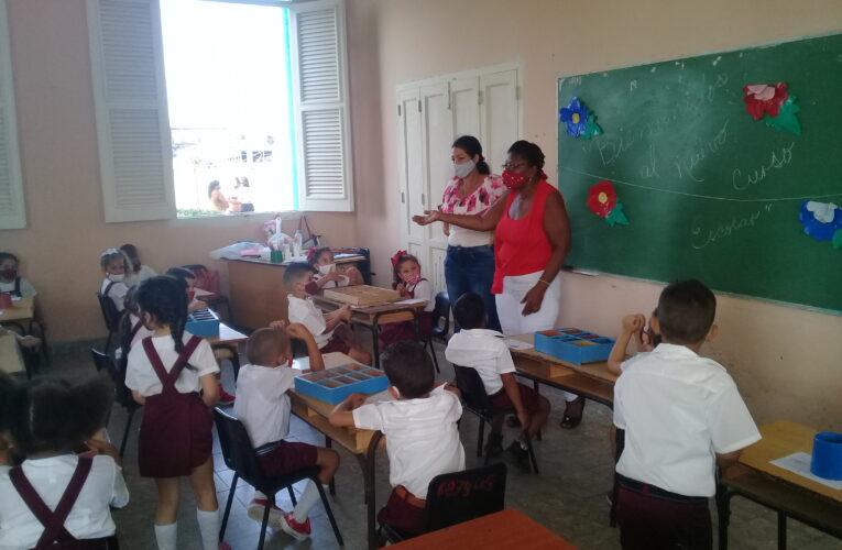 El inicio del curso escolar en la escuela Clodomira Acosta de Güines (Audio y Fotos)