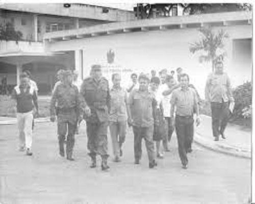 Visita de Fidel al Instituto de Ciencia Animal