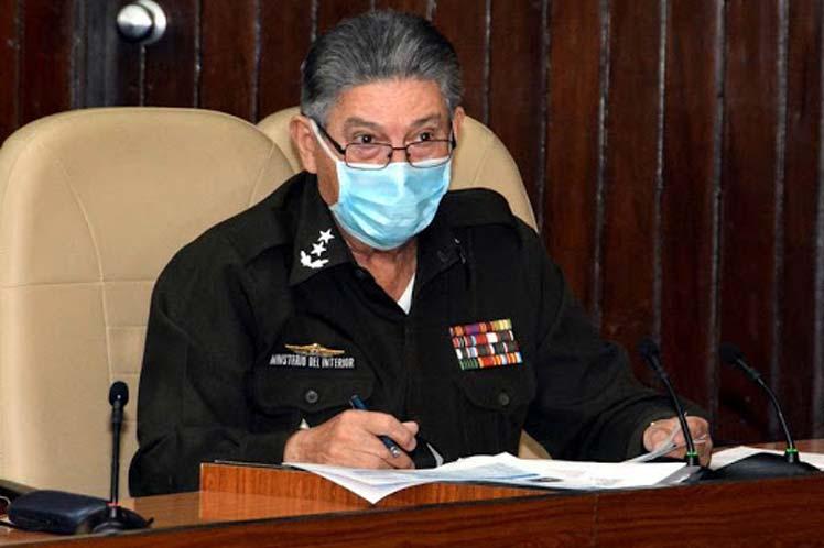 Lamenta Presidente de Cuba fallecimiento de Ministro del Interior