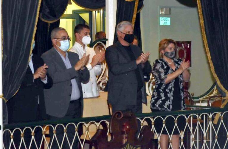 Asistió Díaz-Canel a gala por aniversario 501 de La Habana