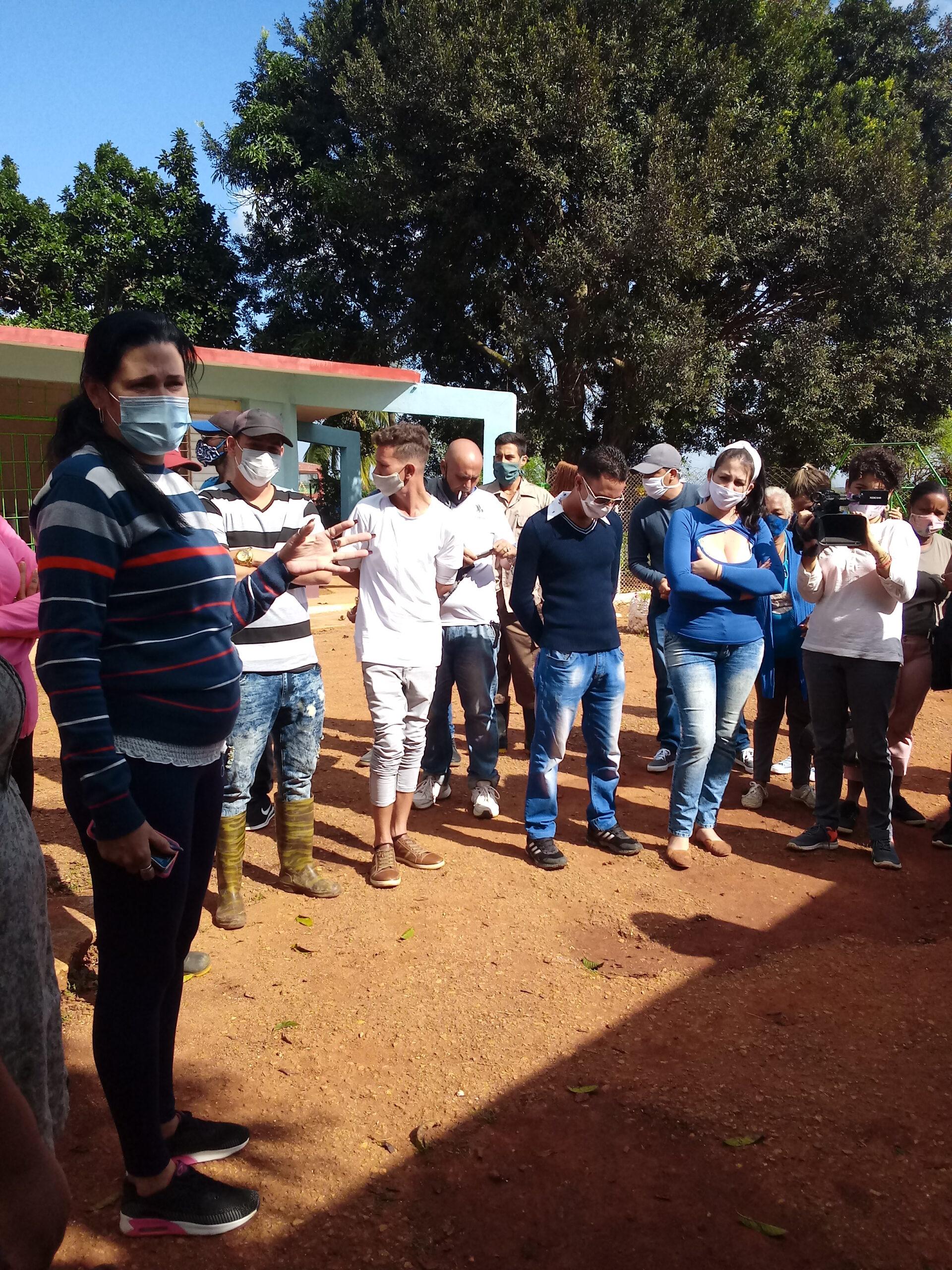 Jóvenes campesinos de Mayabeque recorrieron centros económicos y sociales de Güines.