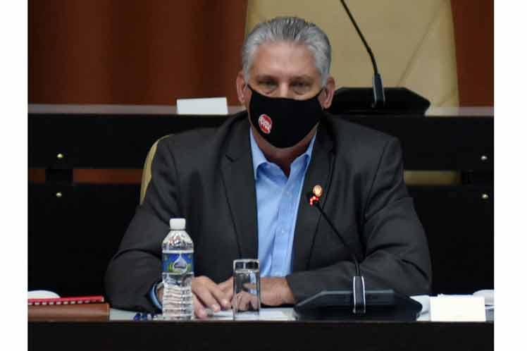 Presidente de Cuba califica de epopeya enfrentamiento a Covid-19.