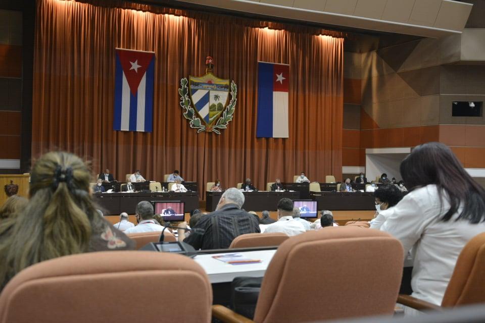 Valoran temas económico-sociales Diputados al Parlmento cubano.