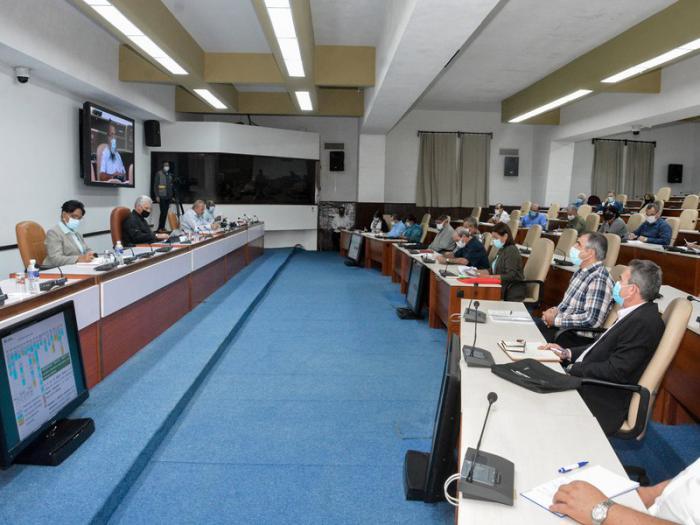Reunión del Presidente de la República, Miguel Díaz-Canel Bermúdez con científicos y expertos. Foto: Estudios Revolución