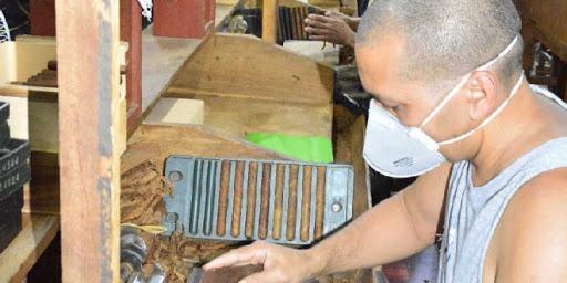 Sobrecumple plan de exportación Fábrica de Tabacos Capitán San  Luis de Quivicán (Audio)