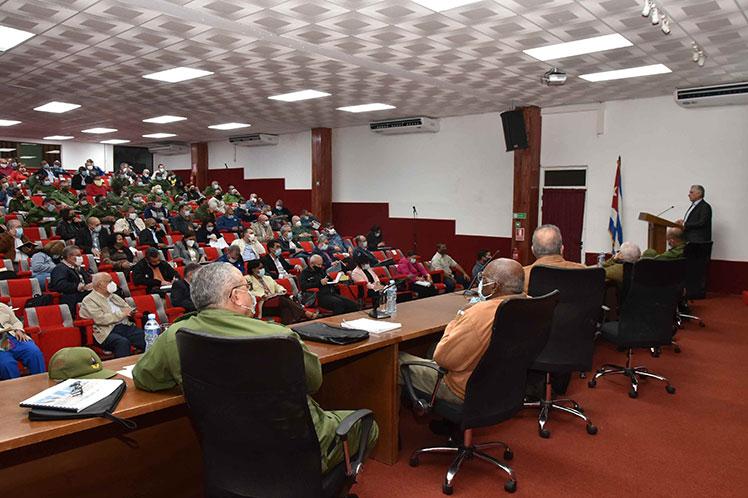 Presidente de Cuba afirma que 2021 será un año de retos