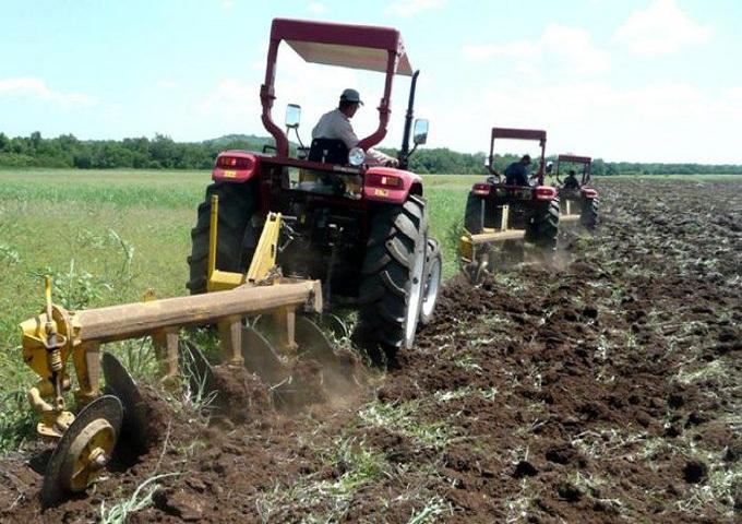 Productores de Cuba modernizarán su mecanización agrícola.